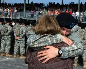 754px-Flickr_-_The_U.S._Army_-_Hearty_hugs