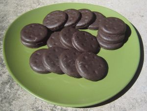 Girl_Scout_Thin_Mint_cookies_(Girl_Scouts_of_the_USA)